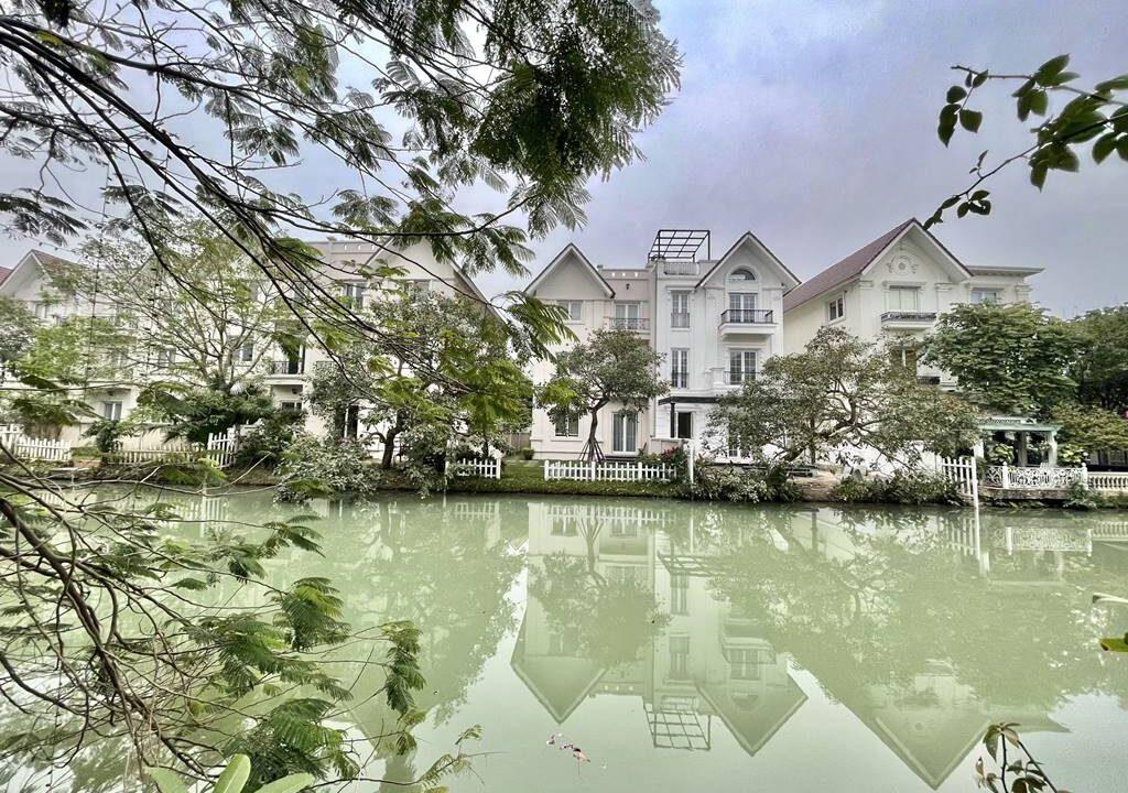 Bán biệt thự Vinhomes Riverside siêu đẳng cấp 225 m2 giá chỉ 34 tỷ (12)