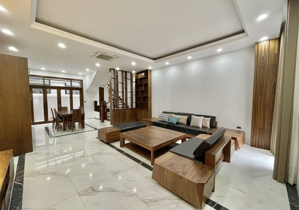 Bán biệt thự liền kề đầy đủ nội thất tại Vinhomes Riverside (1)
