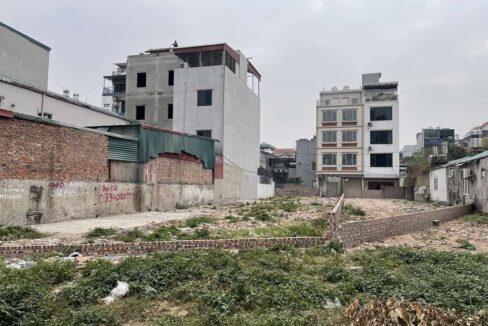Bán đất mặt đường Hồng Tiến, mặt tiền 10,6m, diện tích 406m2. Giá 230trm2