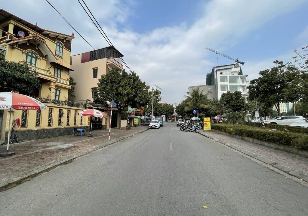 Bán nhà mặt phố Ái Mộ, phường Bồ Đề, quận Long Biên, dt 160m2. Giá 170trm2! (10)