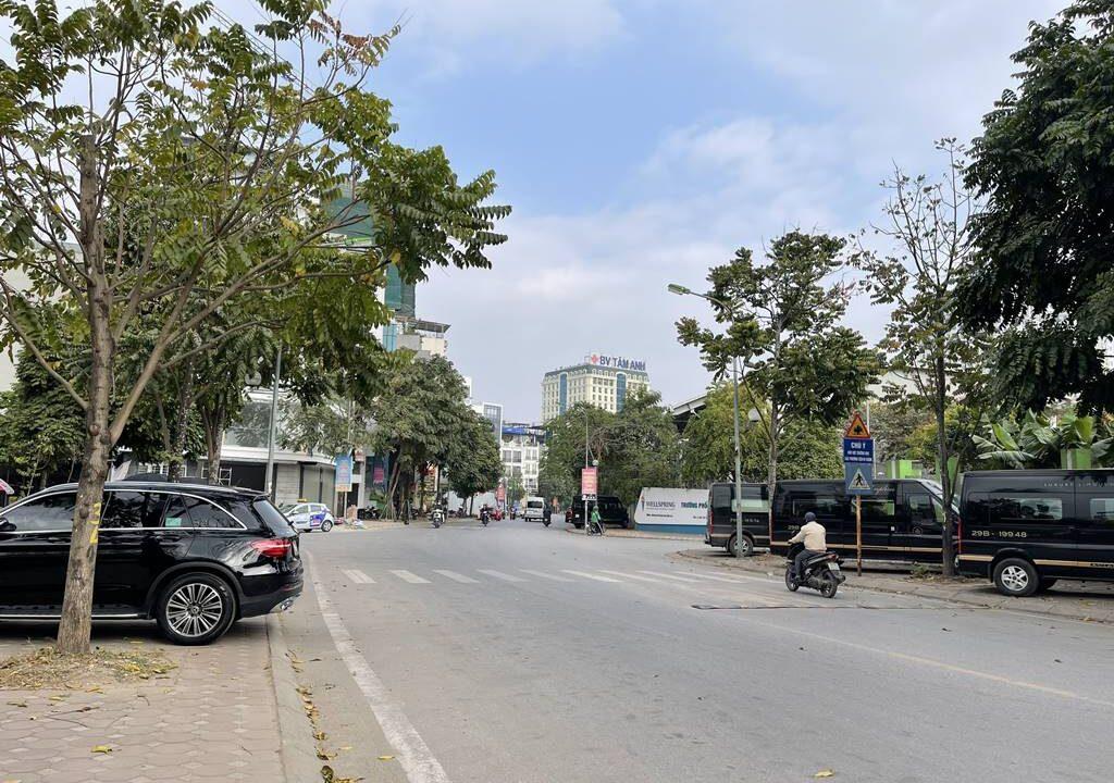 Bán nhà mặt phố Ái Mộ, phường Bồ Đề, quận Long Biên, dt 160m2. Giá 170trm2! (4)