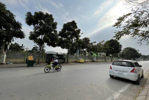 Bán nhà mặt phố Ái Mộ, phường Bồ Đề, quận Long Biên, dt 160m2. Giá 170trm2! (8)