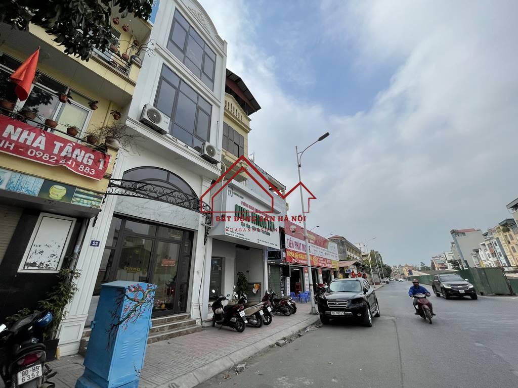 Bán nhà mặt phố Hồng Tiến vị trí HOA HẬU, cam kết kinh doanh tốt