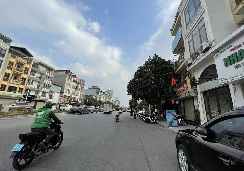 Bán nhà mặt phố Hồng Tiến vị trí HOA HẬU, cam kết kinh doanh tốt (2)