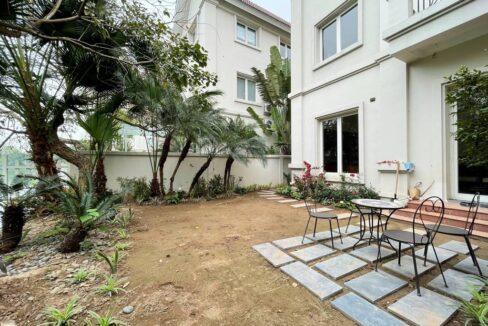 Cho thuê gấp biệt thự song lập đủ đồ tại Vinhomes Riverside (14)