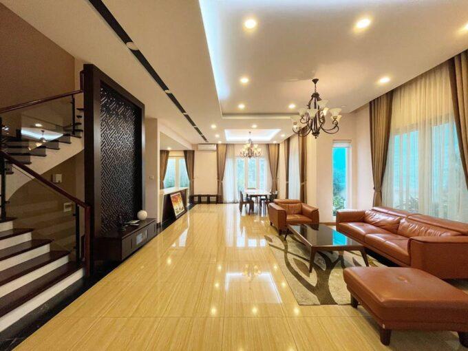 Biệt thự song lập cho thuê Vinhomes Riverside, 225m2, 4PN & 5VS (1)