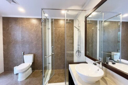 Biệt thự song lập cho thuê Vinhomes Riverside, 225m2, 4PN & 5VS (12)
