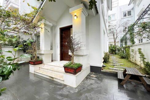 Cho thuê biệt thự song lập Vinhomes Riverside, diện tích 165m2, giá thuê hấp dẫn (1)