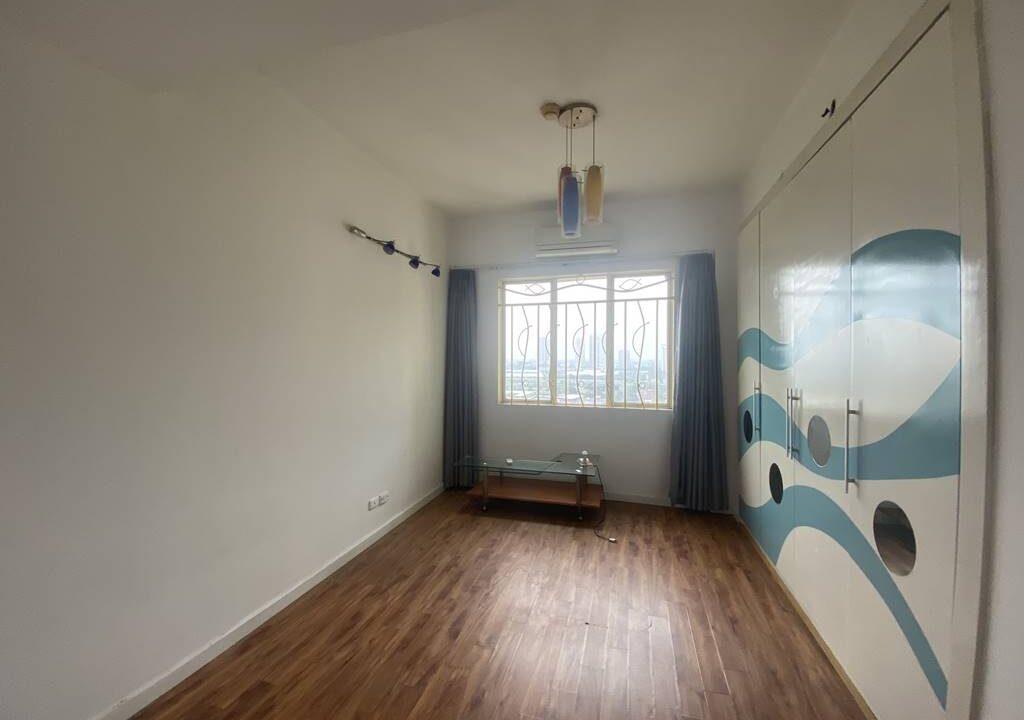 Bán căn hộ 3 phòng ngủ, đồ cơ bản, chung cư G2 Ciputra (8)