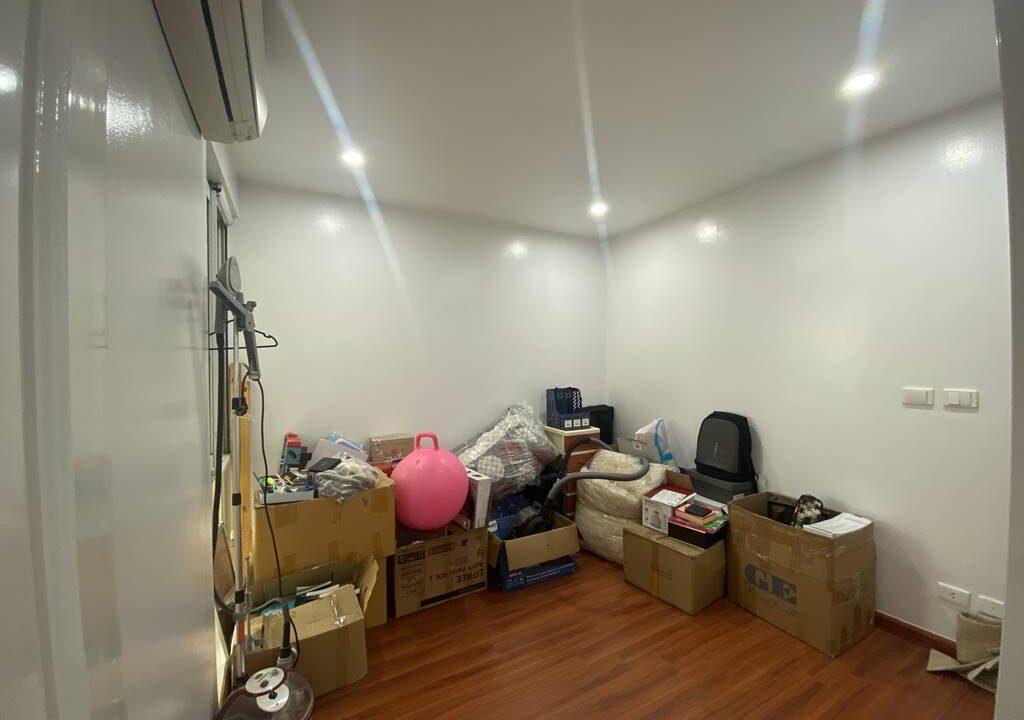 Bán chung cư P2 Ciputra, diện tích 145m2, 3 ngủ, đồ cơ bản (10)