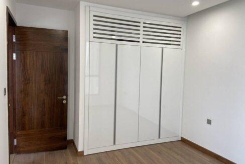 Cần bán căn 1 ngủ chung cư 6th Element Nguyễn Văn Huyên (6)