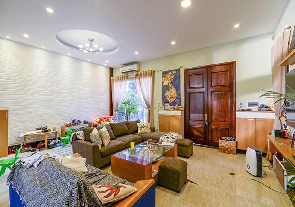 Biệt thự Anh Đào cho thuê Vinhomes Riverside (2)