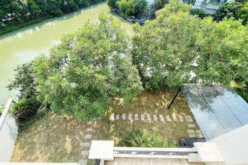 Cho thuê biệt thự đơn lập không đồ tại KĐT Vinhomes Riverside (19)