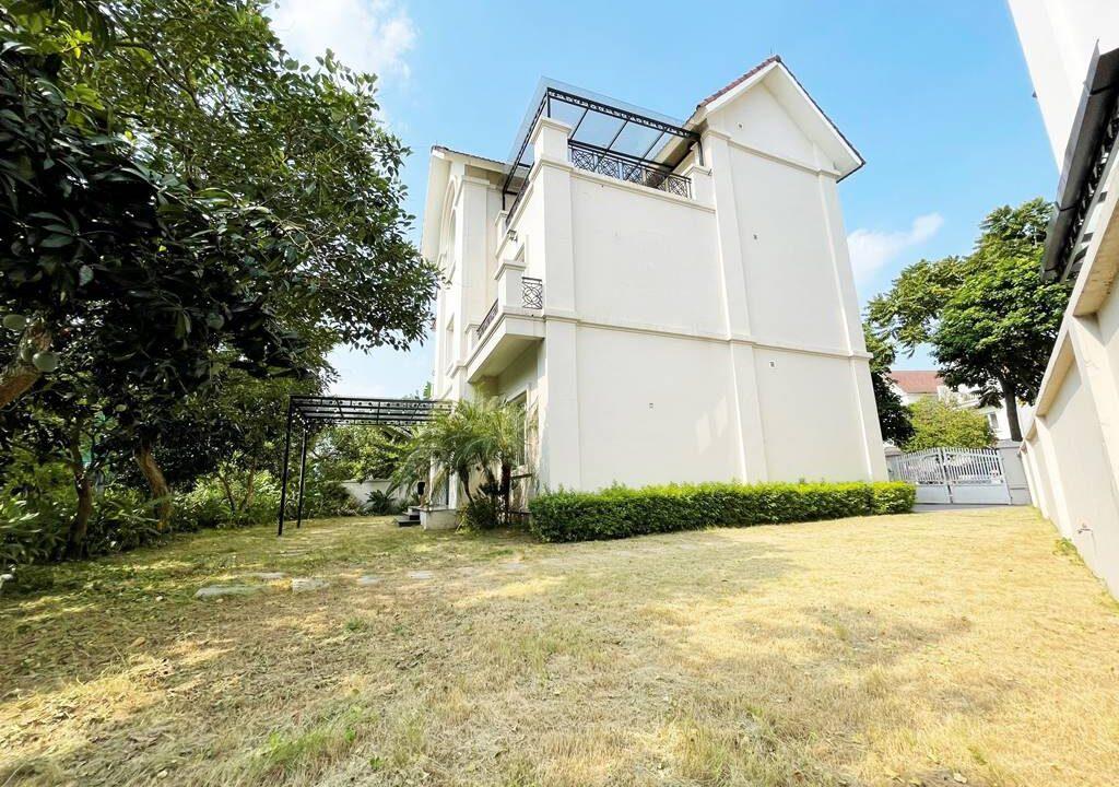 Cho thuê biệt thự đơn lập không đồ tại KĐT Vinhomes Riverside (20)